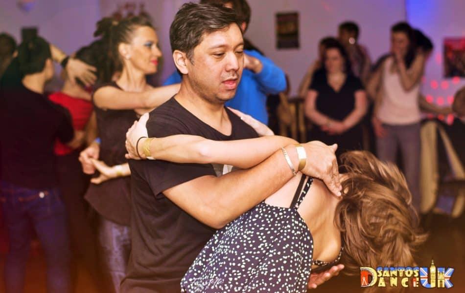 bachata-dance-950x600