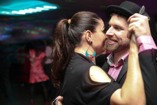 Richard Voogt dancing at Kizomba party